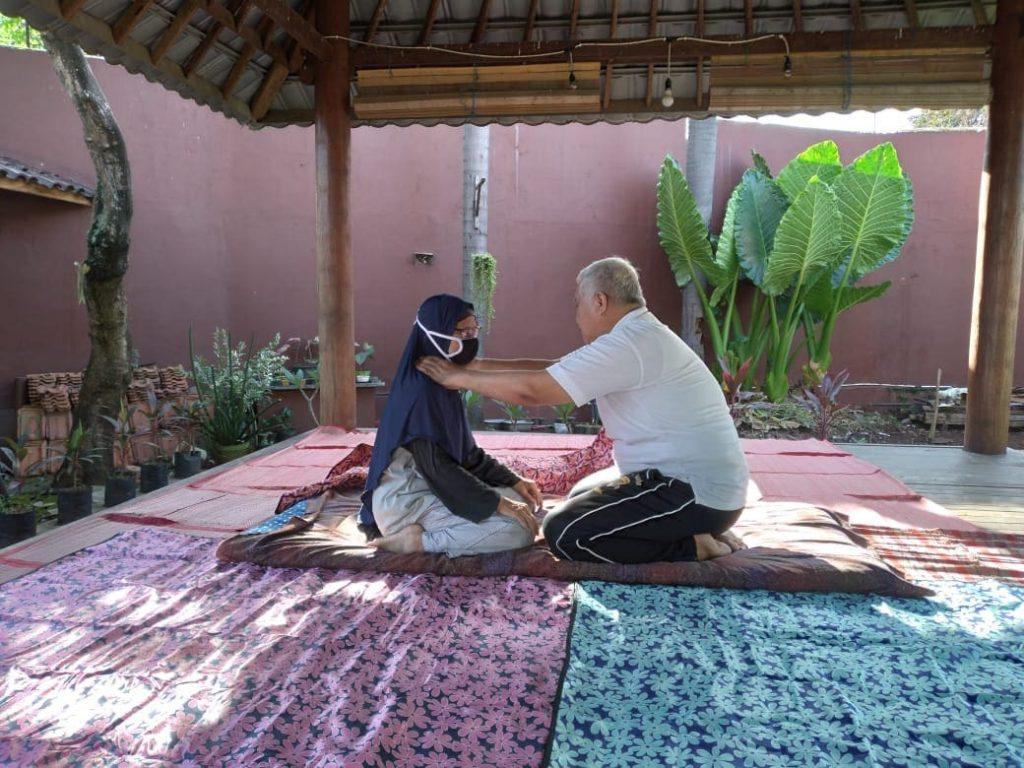 Layanan Jasa Terapi Sehat Metode Getar Saraf Terbaik di Tangerang