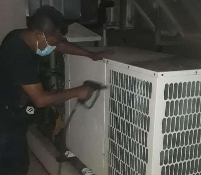 Service AC Murah Bergaransi di Tangerang Panggilan 24 Jam